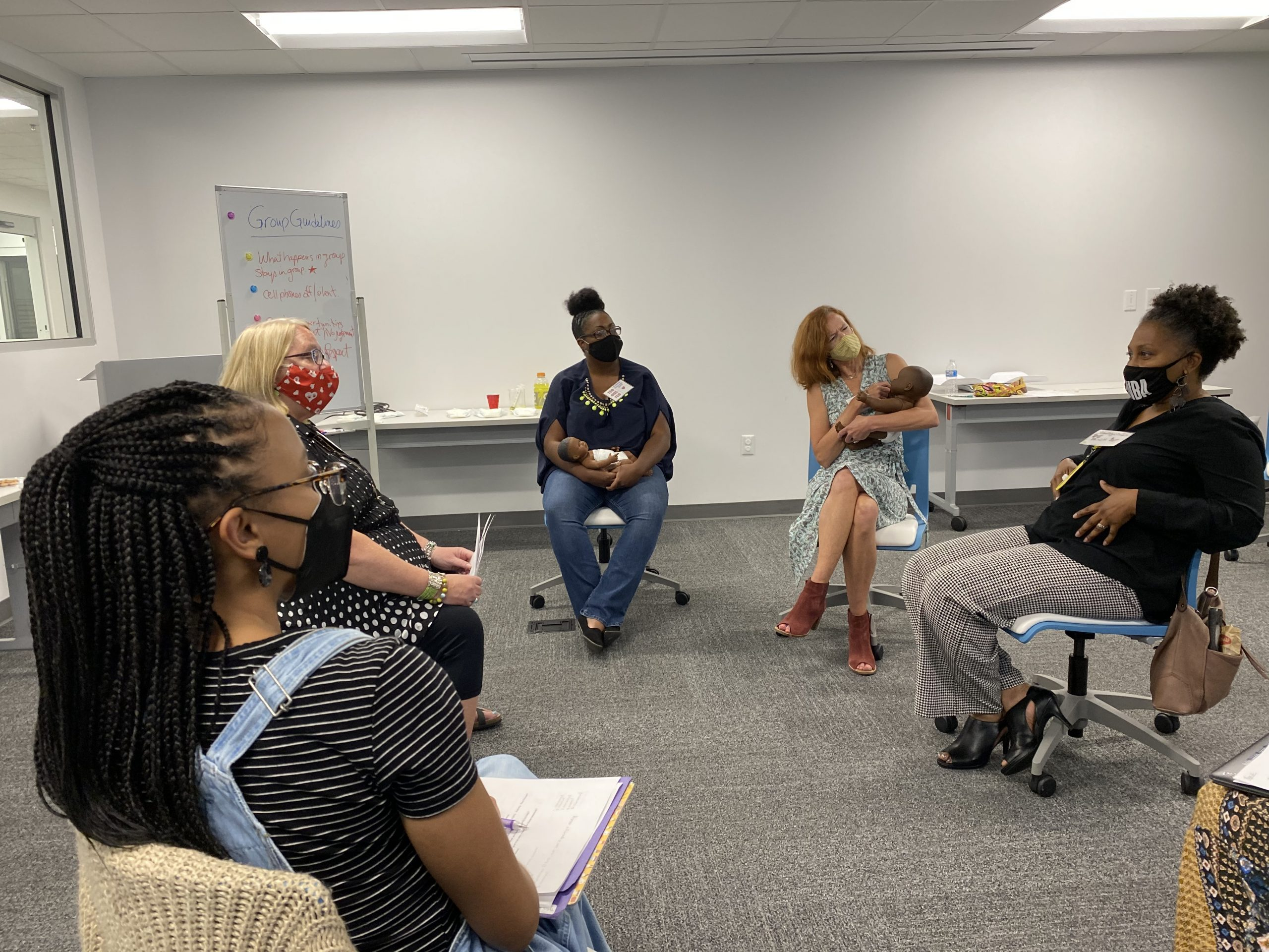 breastfeeding circle meeting